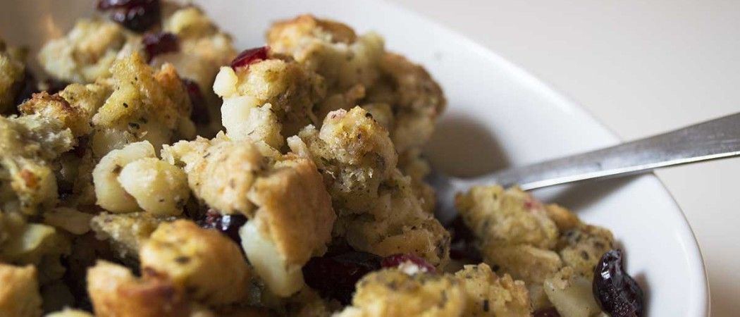 Easy Vegan Stuffing with Cranberries